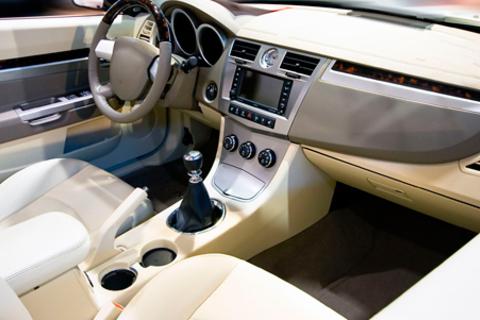 Комплексная химчистка салона или полировка кузова автомобиля в центре «Гараж-Тоннель».  Скидка до 79% от КупиКупон
