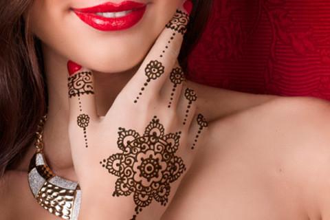 Роспись мехенди, а также мастер-класс по мехенди в студии красоты «Медовый дом». Скидка до 54% от КупиКупон