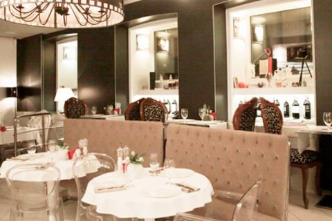 Скидка до 50% на все меню и напитки + проведение банкетов в ресторане Charisma Cafe