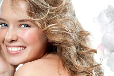 Комплекс профессиональной гигиены полости рта и кислородное ламповое отбеливание Amazing White в клинике «Денталия». Сияющая улыбка и здоровые зубы! Скидка 66% от КупиКупон