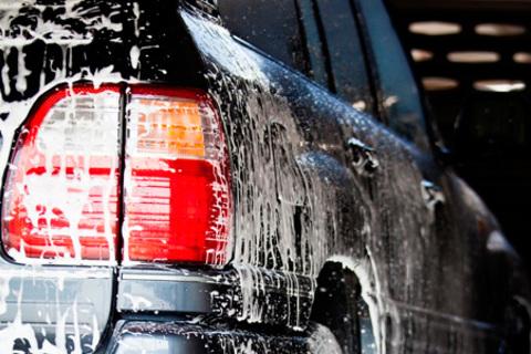 Комплексная мойка и химчистка авто от «Автомойки на Беломорской 20»  со скидкой до 82%