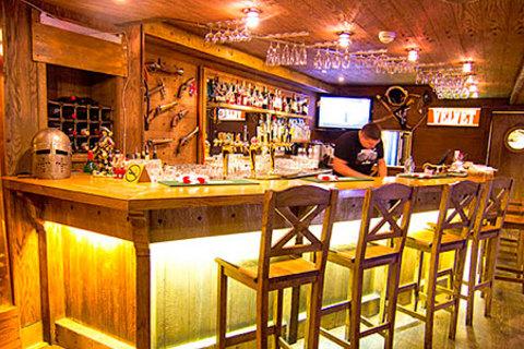 Скидка до 50% на все меню и напитки для компании до 11 человек в ресторане «Черная Каракатица»