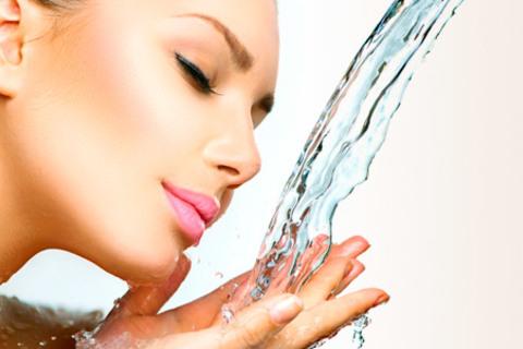9-этапная чистка лица и гликолевый пилинг в 7 салонах красоты: LookAtMe, «Орхидея», «Мария», «Сити-Дэнс», «Рада», «Ева Велюр» и «Ангел». Скидка до 87%