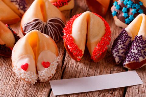 Классические или глазированные печенья с предсказаниями от интернет-магазина «Волшебное печенье». Скидка 50%