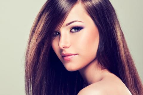 Консультация трихолога, стрижка горячими ножницами, программа «Стрессотерапия» или «Спасение для ваших волос» с аппаратной диагностикой волос и процедурами на аппарате «Климазон» в салоне красоты «Комильфо-С». Скидка до 79%