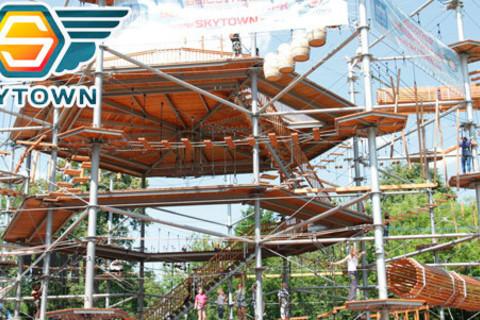 Билеты для детей или взрослых на посещение веревочного парка Sky Town со скидкой 50%