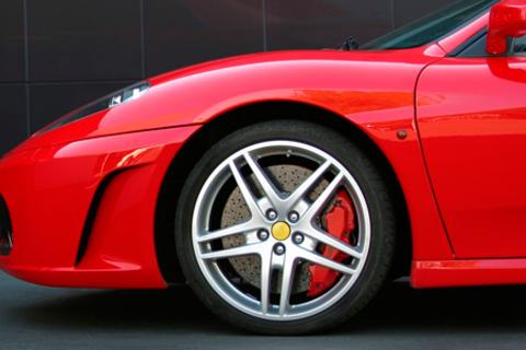 Шиномонтаж и балансировка четырех колес «под ключ» до R21 в автотехцентре Maranello.  Скидка до 64%