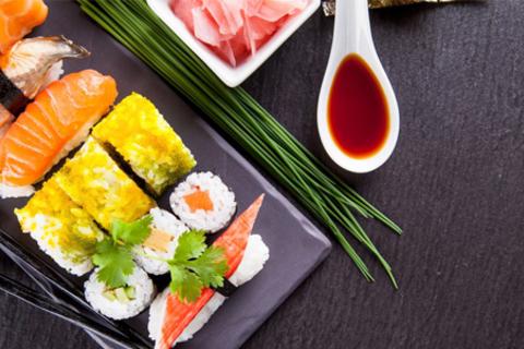Всё меню без ограничения суммы чека от службы доставки Sushi Express: «Канадский», «Овощной», «Калифорния» и другие роллы Скидка 60%