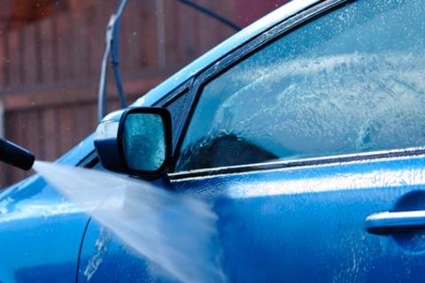 Химчистка салона и комплексная или техническая мойка кузова авто на автомойке Veles NN со скидкой до 75%