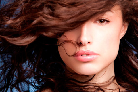 Кератиновое выпрямление волос, окрашивание, лечение огнем, контурная стрижка горячими ножницами и другие услуги по уходу за волосами в салоне красоты Via Beauty. Скидка до 81%